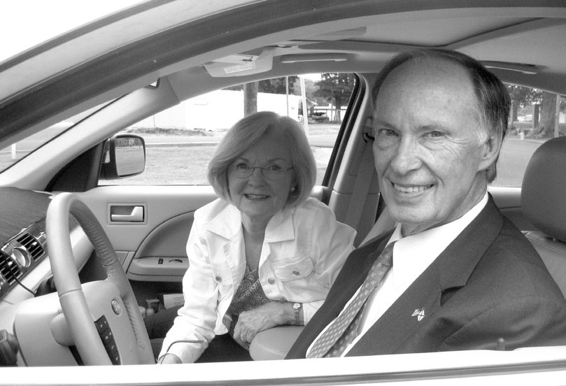 Robert Bentley and his wife Dianne have been barnstorming the state since he announced his candidacy for governor on May 13, averaging over 5000 miles a month since then. How does she like the campaign trail? It's great for her crocheting, she told The Blount Countian after her husband's marathon two-hour interview.