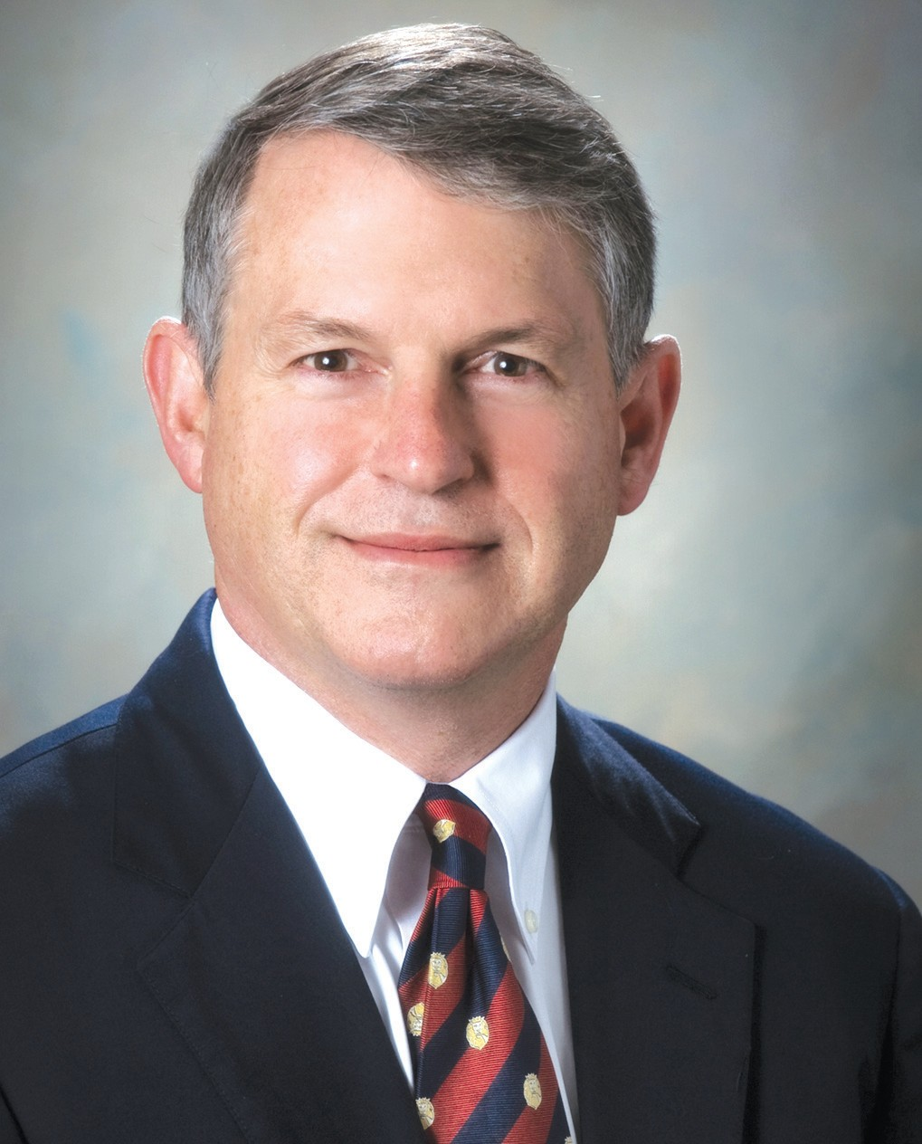 Hatton Smith, president and chief executive officer of Royal Cup Coffee, will address chamber of commerce patrons at the monthly breakfast on Wednesday, Oct. 23, at Twin Oaks at Heritage Green. He will discuss managing a company during perilous economic times and give his interpretation of the economic outlook upcoming. Smith resides in Mountain Brook. His main interests, besides the coffee industry, include the Episcopal church, Washington and Lee University, and various civic endeavors.