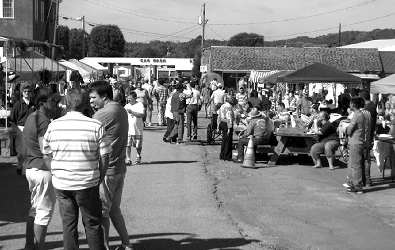 The organizers of the annual Blountsville Harvest Festival could not have asked for better weather. Last Saturday's clear blue skies and temperatures in the upper 70s were perfect for any outdoor event and the crowd was proof that the good weather was appreciated. The all-day event drew more than 1000 people to the streets, side streets, and open fields of Blountsville. There was the classic car show, tractor and equipment show, and custom bike show, arts and crafts, plenty of food, and great music to keep everyone entertained and younger folks had plenty of games and other activities to enjoy. The event, which is sponsored each year by the Blountsville Business Association and the Town of Blountsville, was highlighted by the Harvest Parade. – Rob Rice