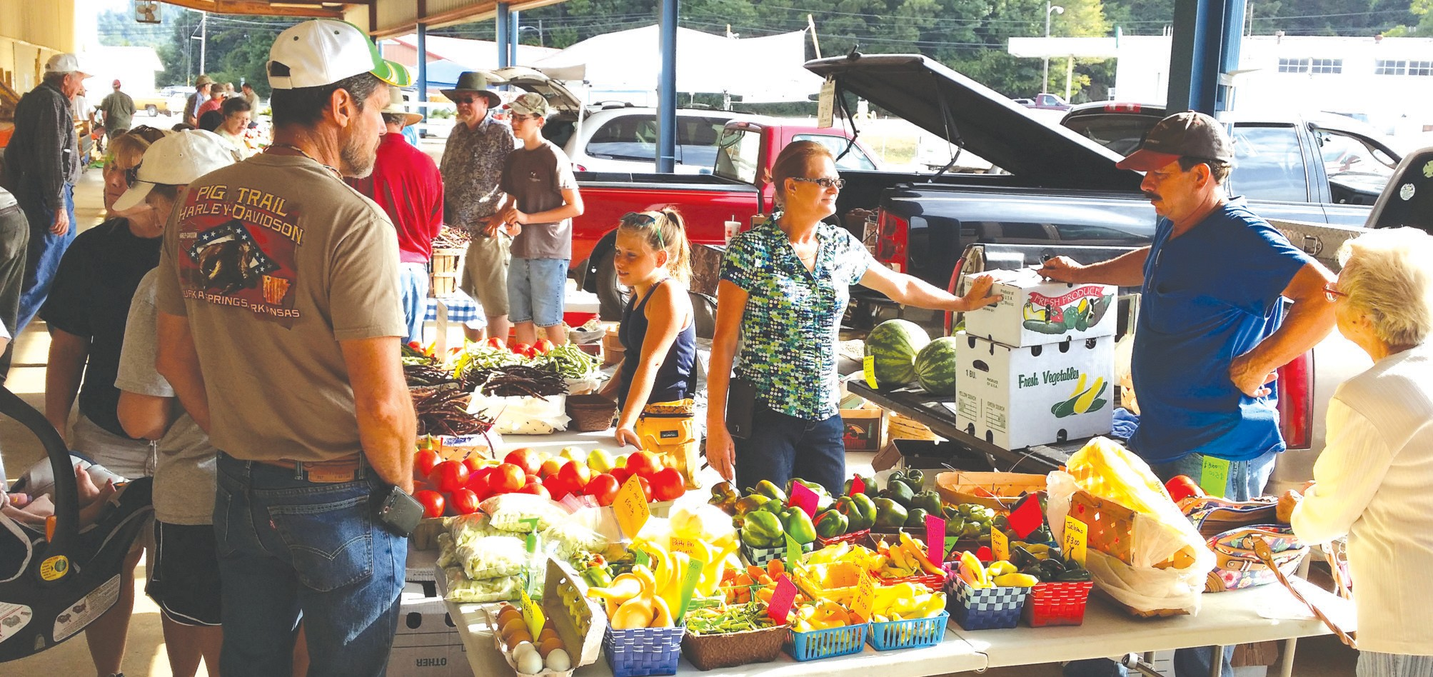 On Saturday, Blount County farmers gathered at the Blount County-Oneonta Agri-Business Center for the annual Special Day at the Farmers Market. 'I believe the Special Day was fantastic,' said Blount County-Oneonta Agri-Business Center executive director Chase Moore.'We had a wonderful turnout and I can't thank the farmers enough for everything they do. All of their hard work growing and selling produce, we wouldn't have food to eat or clothes to wear without them.' Moore thanked businesses who donated items for door prizes, the Extension Office for giving out how-to-can literature, Coca Cola for donating drinks, and WCRL for broadcasting live. Open Tuesday, Thursday, and Saturday from 7 a.m. to 1 p.m., the Farmers Market will continue through the last Saturday in October. – Nicole Singleton