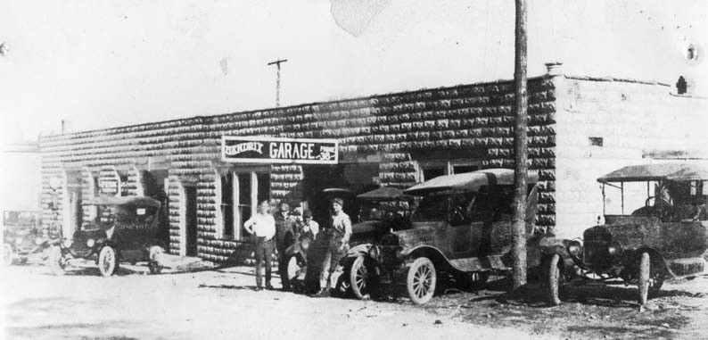 Snow Hendrix Garage, early 1920s, currently Fendley Furniture Photo courtesy of Charles Fendley, Fendley Furniture