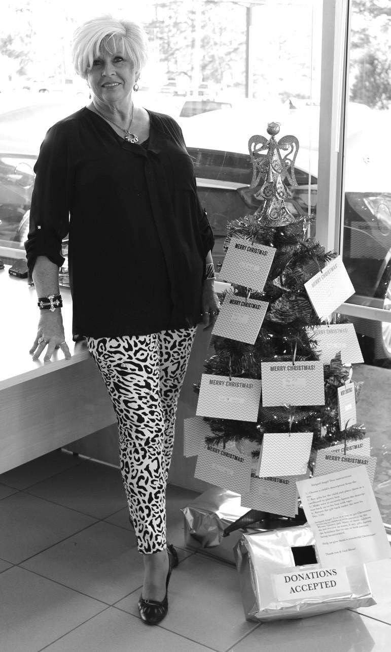Striped Angel Tree organizer Shelia Wootan